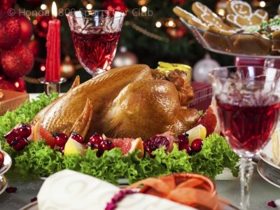 o-CHRISTMAS-DINNER-TABLE-facebook